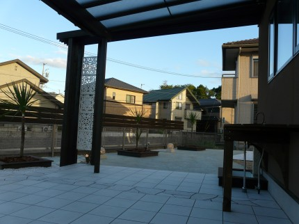雑草対策 タイルデッキ お庭づくり APOA 三重県津市