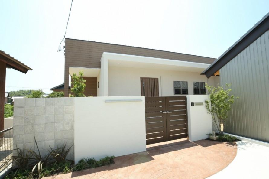 三重県津市の新築平屋住宅、シンプルモダン、門扉のある家