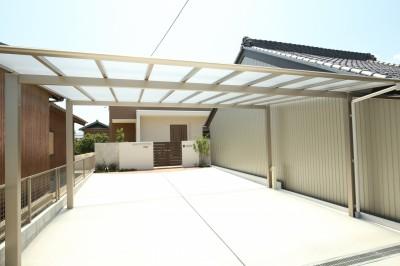 三重県津市の新築平屋住宅、シンプルモダンなカーポート