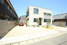 三重県鈴鹿市西条にて新築住宅の外構工事を行いました。