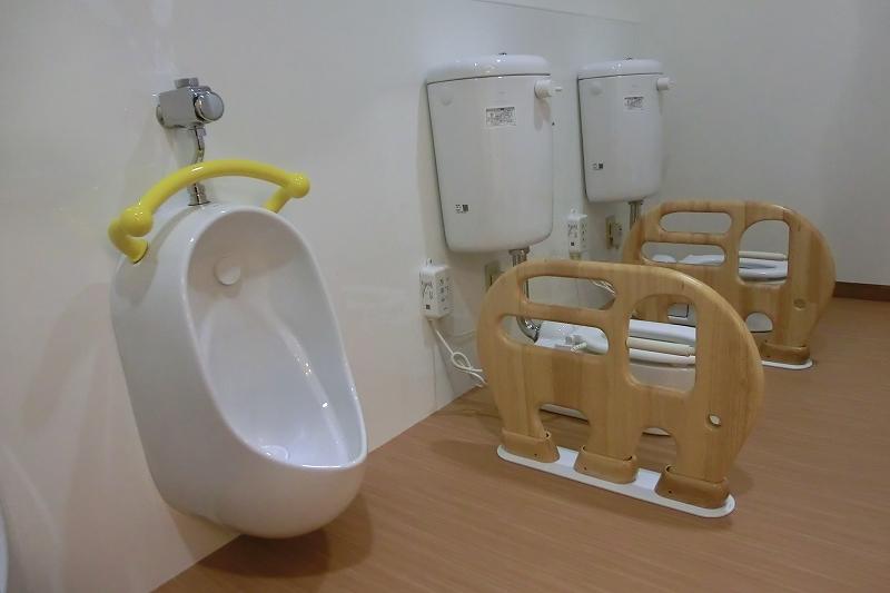 三重県津市こどもの杜ゆたか園トイレ
