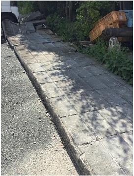 地震によるブロック塀の倒壊 安全点検