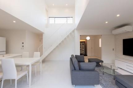 apoa,アポア,新築,亀山,吹抜け,白い家,白い階段